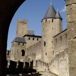 Cite-de-Carcassonne-chateau-Porte-Aude